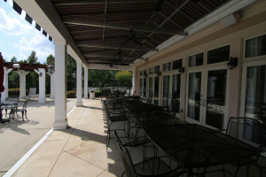 clubhouse_rear_patio